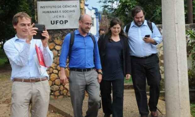 Inspetores das Nações Unidas não tiveram tempo de ir a Bento Rodrigues. Eles se reuniram com vítimas do rompimento da Barragem do Fundão e com representantes da Samarco (foto: Paulo Filgueiras/EM/D.A Press)