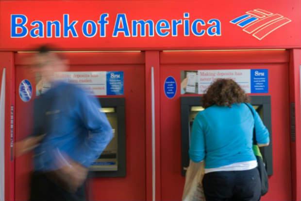 Autoridades americanas ameaçam punir vários bancos por não terem denunciado as atividades suspeitas em contas relacionadas com a Fifa, objeto de muitas acusações de corrupção. Foto: AFP Nicholas Kamm