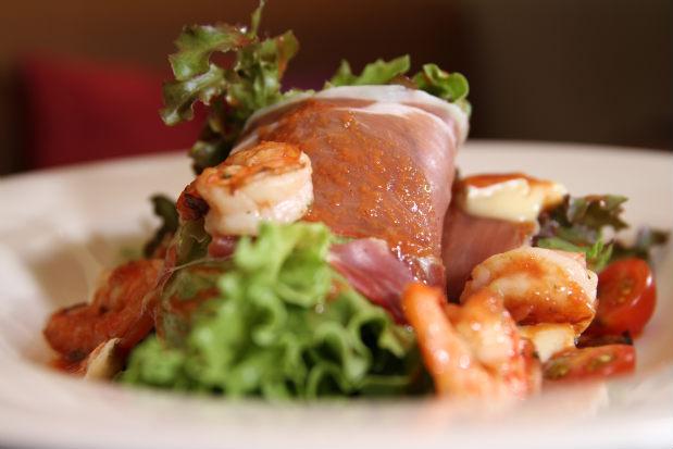 Salada Maguinific faz parte do menu do restaurante Ça Va, na Zona Sul do Recife. Foto: Peu Ricardo/Esp. D.P