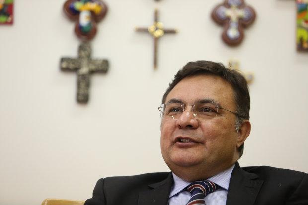 Cearense de 54 anos, completa dez anos como reitor da única universidade comunitária de Pernambuco em janeiro do ano que vem. Foto: Hesíodo Goes/DP