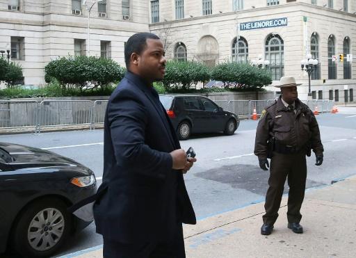 O policial William Porter chega a seu julgamento, em Baltimore, no dia 16 de dezembro de 2015 Foto: POOL/AFP MARK WILSON