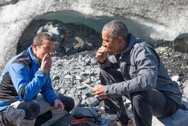 Barack Obama provou comidas locais. Foto: Discovery Channel/Divulgação (Foto: Discovery Channel/Divulgação)