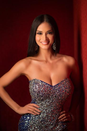 Pia Alonzo tem 26 anos e é atriz e modelo