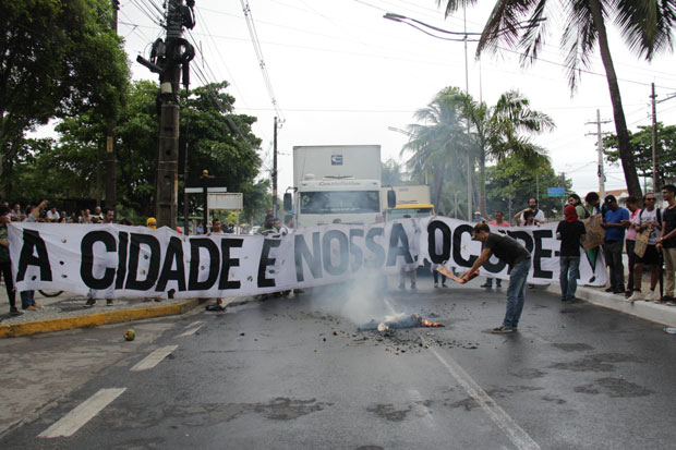 Movimento realizou protestos de manhã e organiza novos atos. Foto: Karina Morais/ Esp. DP