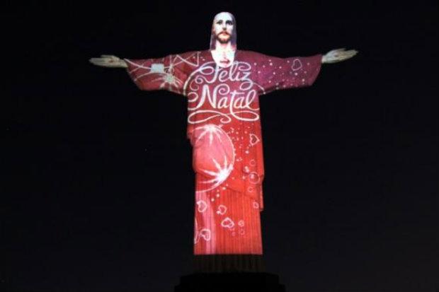 Cristo iluminado para o Natal. (Foto: J. Lucena/Divulgação)