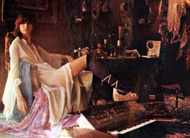 Longe dos Mutantes, Rita flertava abertamente com o hard rock e explorava temas mais concretos em suas letras; todas as faixas de 'Fruto' tornaram-se hits desde o lançamento. Foto: Divulgação