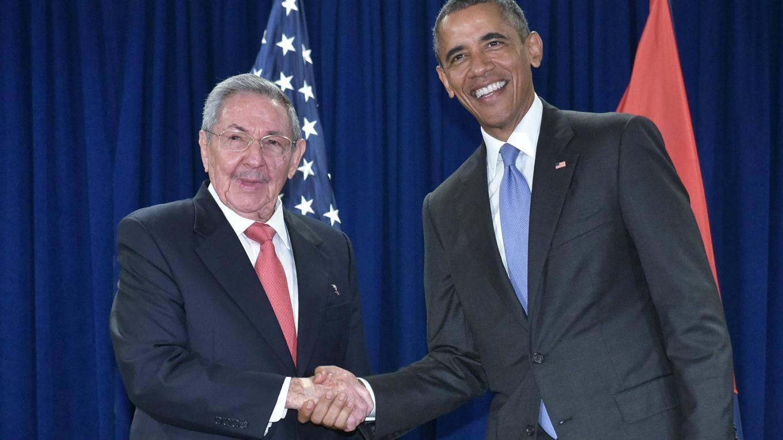 Os presidentes americano Barack Obama e cubano Raúl Castro durante reunião histórica. Foto: Cubadebate.