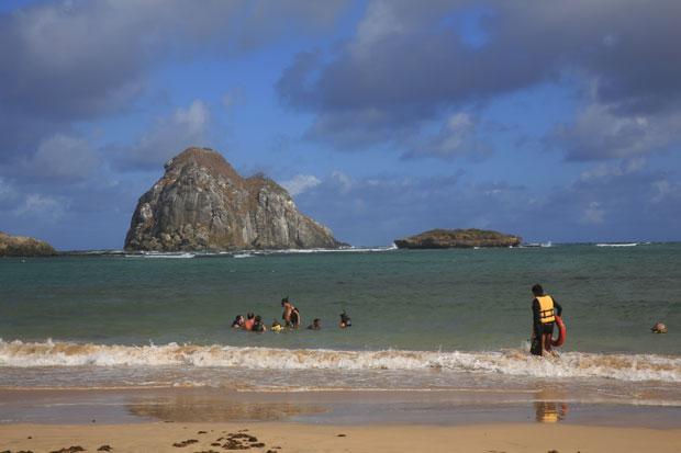 Ataque aconteceu na Praia do Sueste. Foto: Teresa Maia/DP