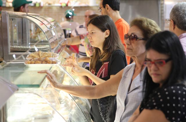 A expectativa das padarias e delicatessens é amenizar os efeitos da crise com as vendas no fim do ano. Foto: Peu Ricardo/Esp DP