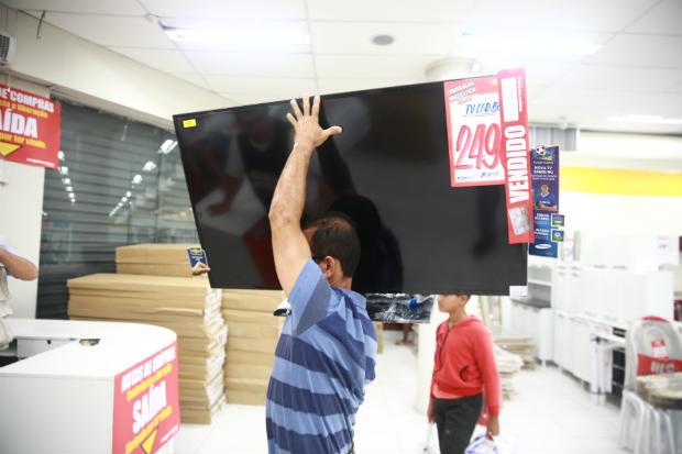 Liquidação ocorrerá em 780 lojas da rede e envolverá mais de 24 mil funcionários. Foto: Bernardo Dantas/DP