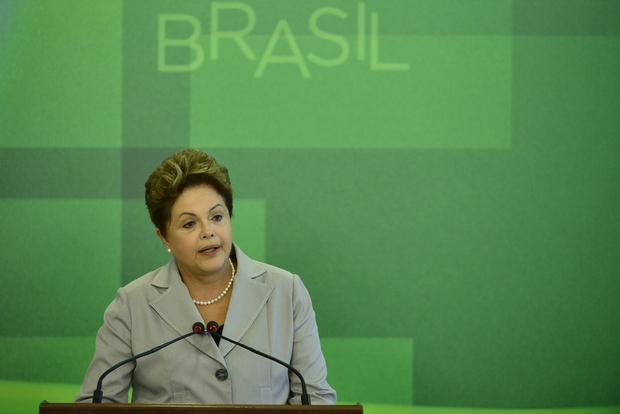 0e18424888 Recifenses estão pessimistas com a política do país