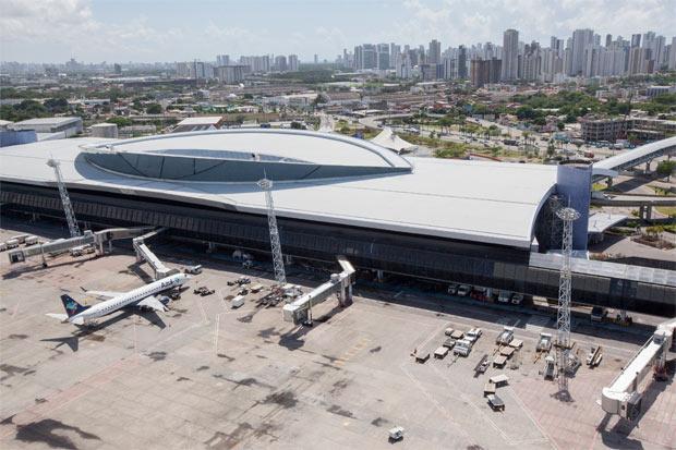 Aeroporto Internacional do Recife - Gilberto Freyre � considerado o melhor terminal do Brasil, segundo uma pesquisa de satisfa��o da Secretaria de Avia��o Civil (SAC) e fica a 300 quil�metros de tr�s capitais. Foto: Ana Araujo/MEPortal da Copa