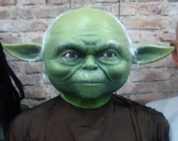 Mestre Yoda, da franquia Star Wars, vai se jogar no frevo. Foto: Facebook/Reprodução