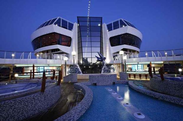 Serviço oferecido é o mesmo de um hotel 5 estrelas, com decoração que mescla o estilo clássico com um toque futurístico. Foto: MSC/Divulgação
