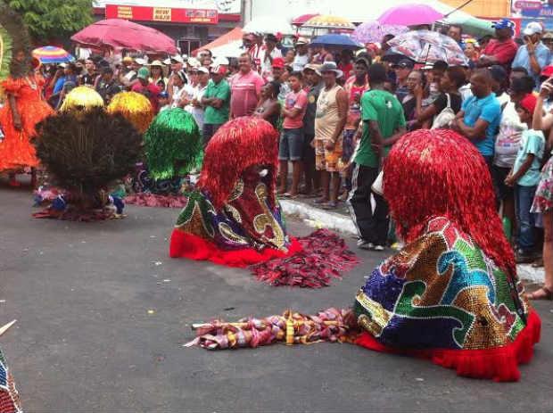Maracatu Leão Africano participa da festa. Foto: Emanuel Leite Júnio/DP
