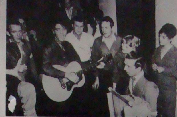 Fotos do cantor estão em exposição. Foto: Para Sempre Elvis/Reprodução