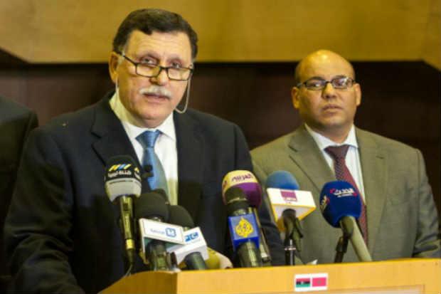 O primeiro-ministro líbio designado, Fayez al-Sarraj, participa de uma entrevista coletiva no Marrocos. Foto: AFP