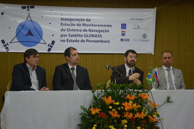 O Glonass foi instalado no Instituto de Tecnologia de Pernambuco (Itep). Foto: Malu Cavalcanti/ Esp. DP