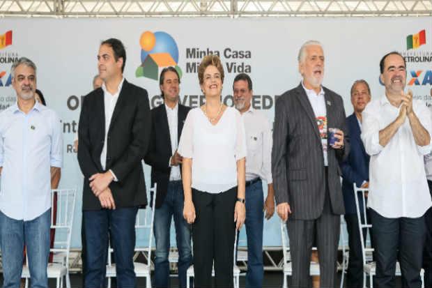 Presidente Dilma participa de entrega simultânea de habitações do projeto Minha Casa Minha Vida, em Petrolina/PE. Foto: Roberto Stuckert Filho/PR