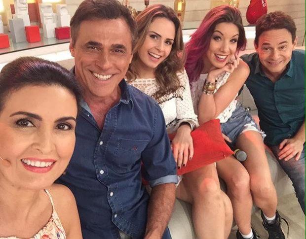 Ana Paula posou ao lado dos demais convidados do programa. Foto: Globo/Reprodução