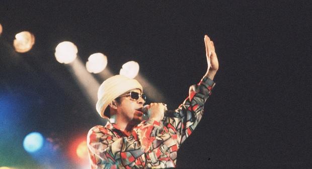 � frente da Na��o Zumbi, Chico cantou no festival Abril Pro Rock em 1994. Foto: Gil Vicente/DP