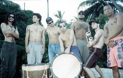 Na��o Zumbi foi o primeiro grupo de rock pernambucano a carregar refer�ncias regionais e atrair a aten��o internacionalmente. Foto: Clemilson Campos/DP