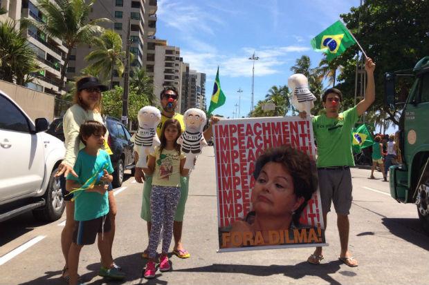O empresário Gustavo Albuquerque, que fez questão de levar filha, cunhada e sobrinhos. Foto: Sávio Gabriel/ DP