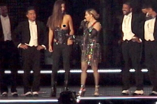 Na Austrália, Madonna baixou o corselete de Josephine Georgiou. Foto: YouTube/Reprodução
