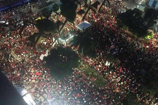 Antes da manifestação chegar à Praça do Ferreira, área central de Fortaleza, a Polícia Militar do Ceará estimou entre 5  mil e 6 mil o número de participantes. Foto: CUT-Ceará/Divulgação