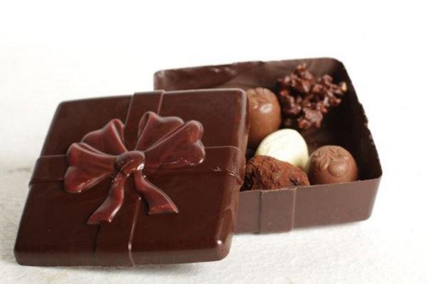 A especialista também sugere aos admiradores do doce que evitem o chocolate branco. Foto: Daniel Briand/Divulgação.