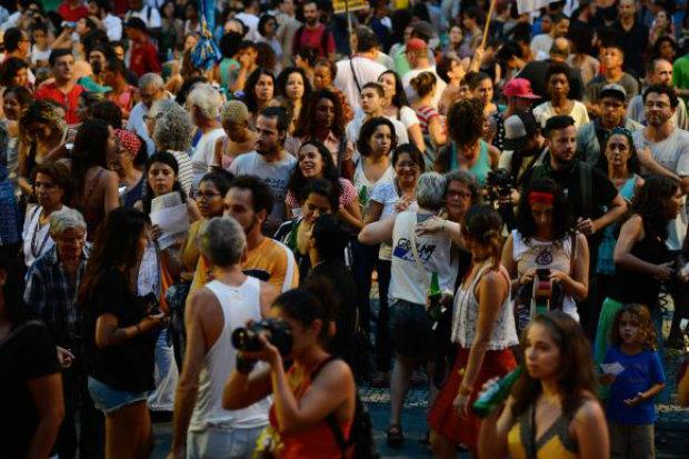 A Cinelândia, no centro do Rio, foi tomada pelos participantes do Festival pela Democracia. Foto: Fernando Frazão/Agência Brasil