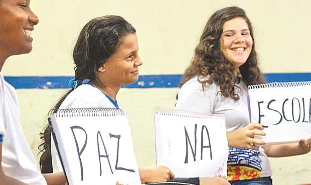 Alunos de escola participam de projeto multidisciplinar. Foto: Paulo Paiva/DP
