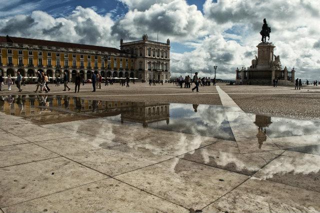 Em Lisboa, os alunos vão refazer os caminhos que a família real e a corte portuguesa percorreram antes de embarcarem para o Brasil, em 1808. Foto: Flicker/Yann C%u0153uru