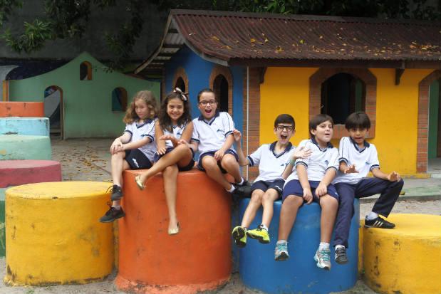 Da esquerda para a direita Alice, Helena,Ana Carolina, Isaias, Luís Guilherme e João Henrique revelam o que os assusta. Foto: Julio Jacobina/DP