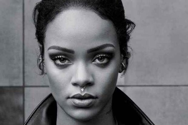 """Além de dar o topo do ranking à norte-americana, """"Kiss it better"""" a fez alcançar 8,444 bilhões de visualizações na plataforma Vevo. Foto: Rihanna/Divulgação"""