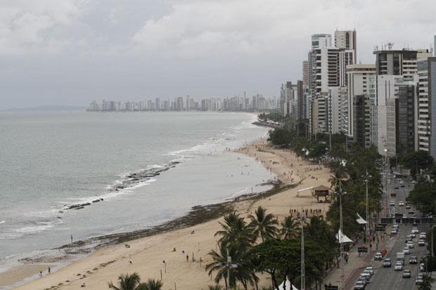 Bairro de Boa Viagem concentra grande parte dos hotéis do Recife. Foto: Ricardo Fernandes/DP