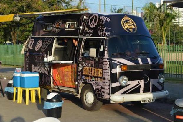 Zirkus churros, RecBeer, RecBurguer, Kombi massa, Moov Food e Just Kone serão os food trucks fixos do local. Foto: Ricardo Fernandes/DP/D.A Press