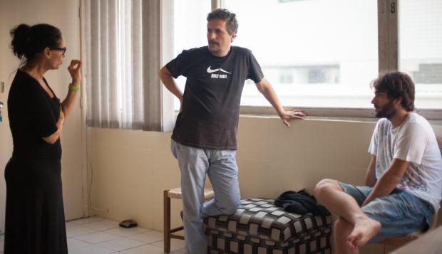 Sonia Braga, Kleber e Humberto Carrão durante os ensaios de Aquarius. Foto: Divulgação
