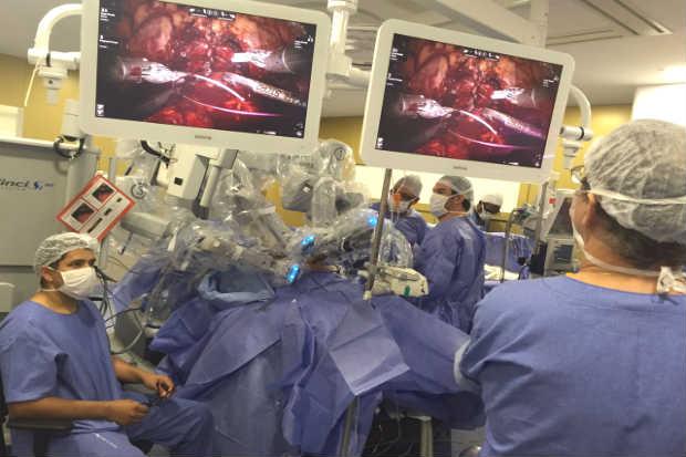 Prostatectomia (retirada total da próstata) realizada pelo robô-cirurgião Da Vinci foi considerada um sucesso pelo HSJR. Foto: Juliana Ângela/Divulgação