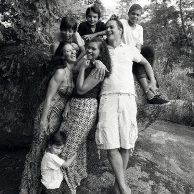 Marcello Antony e os filhos Lorenzo, Stephanie e Francisco. Foto: EB Studio Brasil/Divulgação