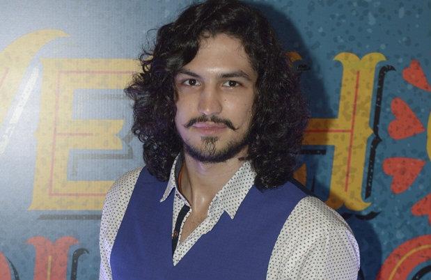 Após o sucesso em Verdades Secretas, Gabriel Leone interpreta Miguel. Foto: TV Globo/Divulgação