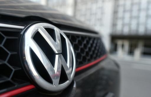 """A montadora alemã Volkswagen (VW) chegou a um """"princípio de acordo"""" nos Estados Unidos para evitar um julgamento pelas centenas de milhares de carros a diesel com dispositivos que adulteravam os resultados das emissões de gases poluentes, anunciou o juiz Charles Breyer. Foto: AFP/Arquivos Josh Edelson"""