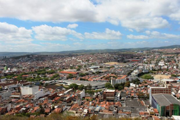 Obra deverá ser feita em até oito meses. Vista de Caruaru. Foto: Compesa/Divulgação