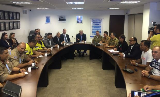 Reunião acontece na sede da Secretaria de Administração. Foto: Wagner Oliveira/DP