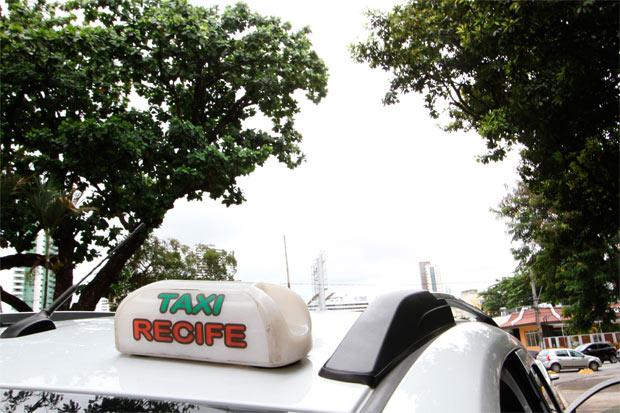 O Ministério Público recomendou à CTTU a apuração das denúncias envolvendo taxistas e as eventuais punições, em forma de cassação do Termo de Permissão (TP) do profissional. Foto: Paulo Paiva/DP