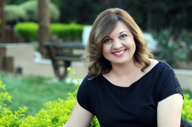 Carina Rissi foi destaque entre mais vendidos de Ficção e comenta segredos da produção bestseller. Foto: Verus/Divulgação