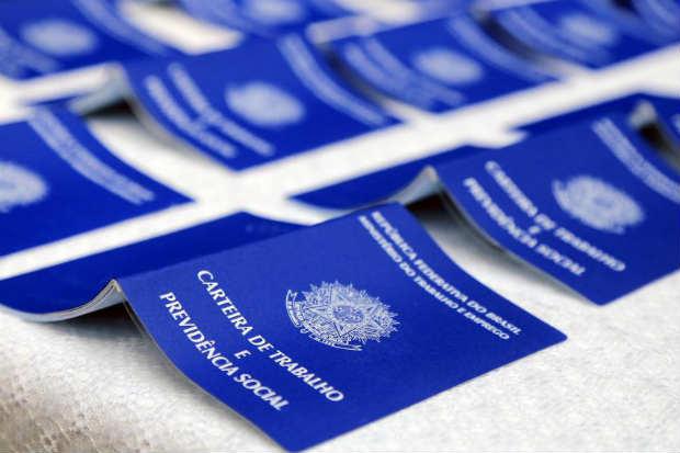 A alteração no horário de atendimento ao público nas agências do Recife tem como justificativa atender as exigências do Ministério do Trabalho. Foto: Valdecir Galor/SMCS