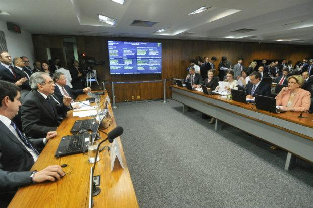Comissão do Impeachment aprovou, nesta sexta-feira, o relatório do senador Antonio Anastasia (PSDB-MG). Foto: Geraldo Magela/Agência Senado