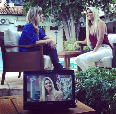 Thábata Mendes em entrevista para o Programa do Gugu. Crédito: Reprodução do Facebook/Thábata Mendes
