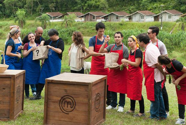 No primeiro bloco cozinheiros tiveram que trabalhar em equipe e fazer um menu ovolactovegetariano. Fotos: Carlos Reinis/Band